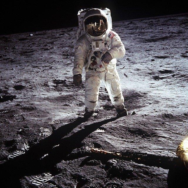 Apollo 11 Space Mission Facts