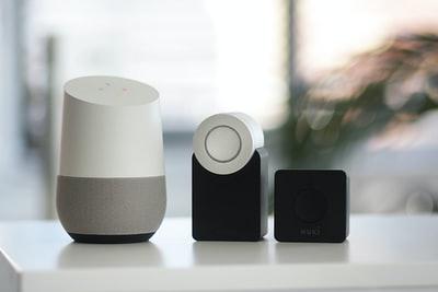 Smart Assistants Devices