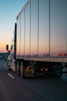 Solar-Powered Refrigeration Trucks Could Be The Future Of Large-Scale Food Transport